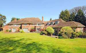 House for sale in Esher with Winkworth