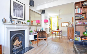 House for sale in Crawthew Grove with Winkworth