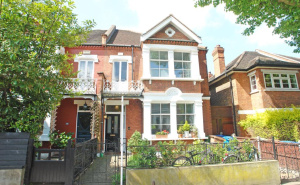 House for sale in Camberwell with Winkworth