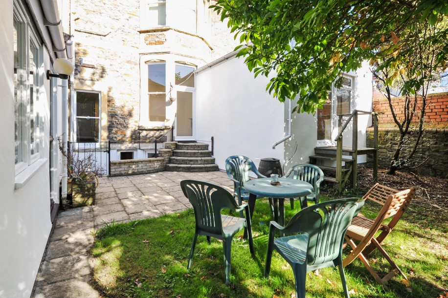 bedroom property for sale in hurle road clifton 595 000