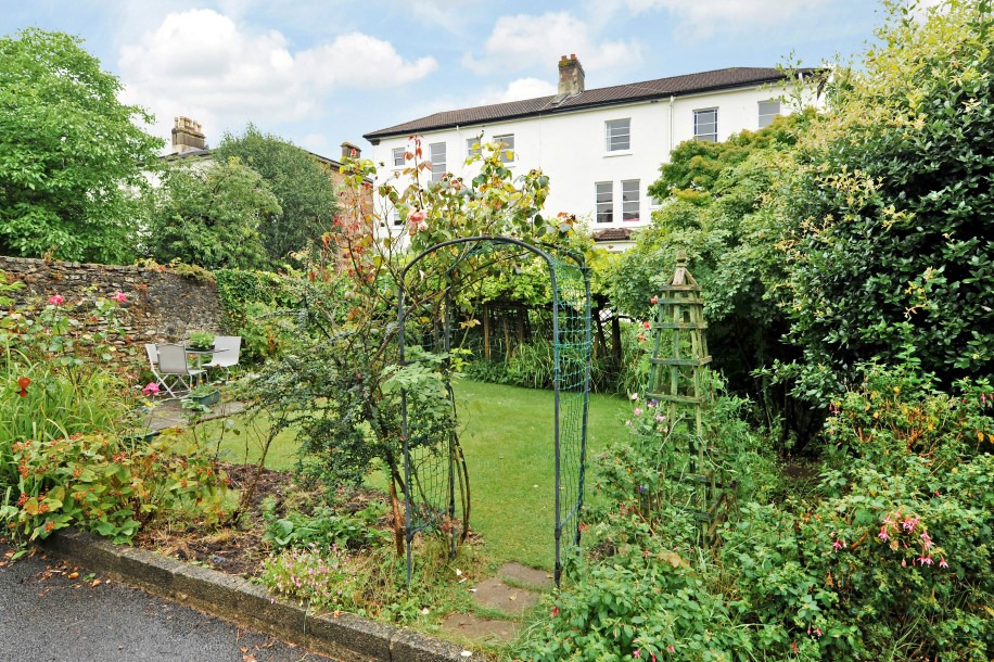 bedroom property for sale in apsley road clifton 575 000