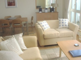 Fantastic 2 bed luxury apartment min stay 7 nights