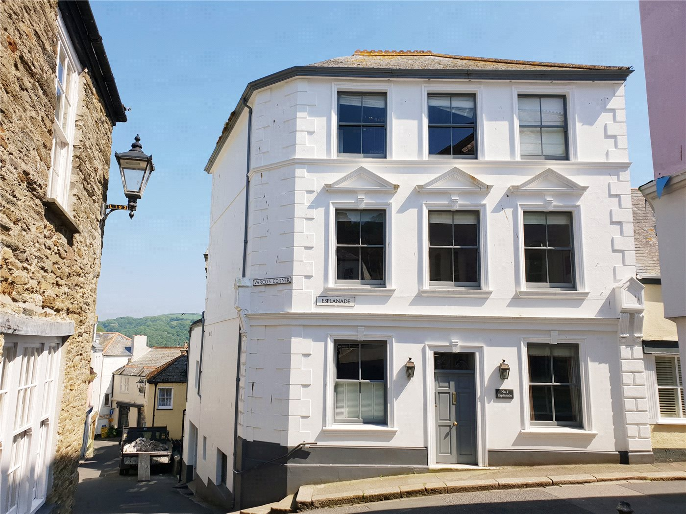 Two bedroom, first floor period apartment in Fowey